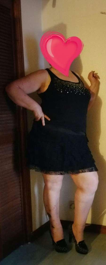 Femme mur ronde douce